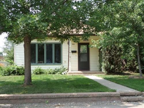 301 6th Avenue SW Photo 1