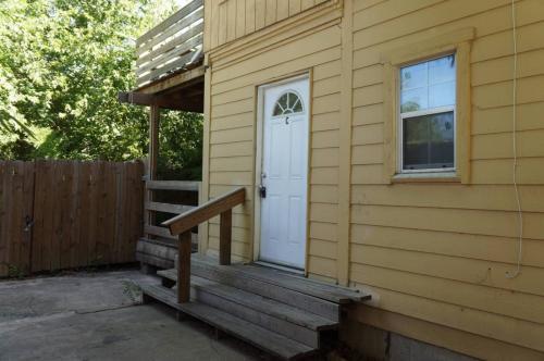 820 E Euclid Ave #C Photo 1