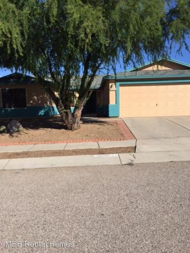 10235 E Rainbow Meadow Drive Photo 1
