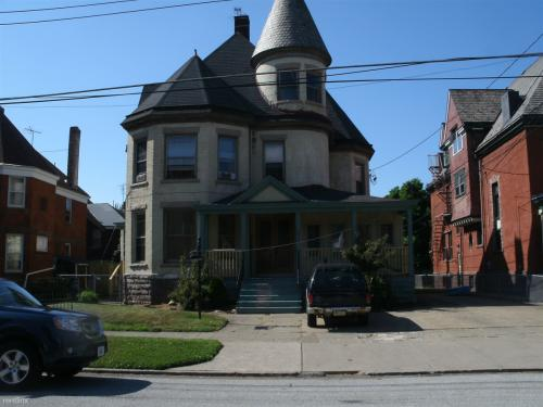556 W 8th Street Photo 1