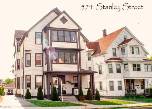 572 Stanley Street Photo 1