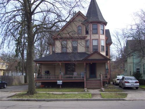 515 Village Street Photo 1