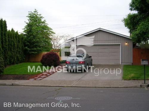 7440 SW 158th Place Photo 1