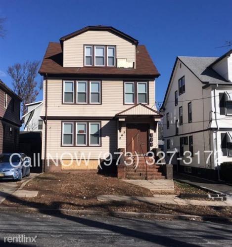 263 Keer Ave Photo 1
