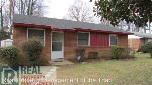 2206 Willow Road Photo 1