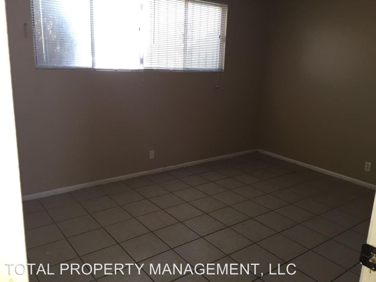 2421 Raymond Avenue North Las Vegas NV 89032