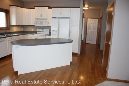 909 E 1st Street - Duplex Photo 1