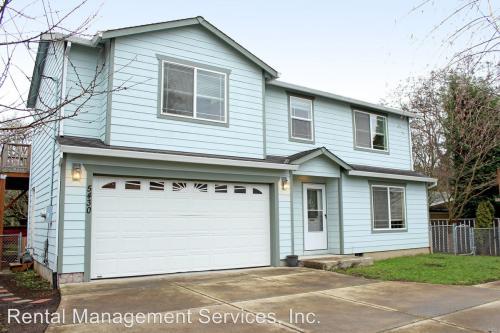 5430 SE Boise Street Photo 1