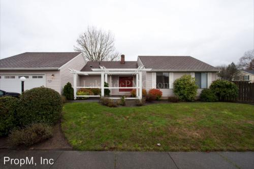 29146 SW Courtside Dr Photo 1