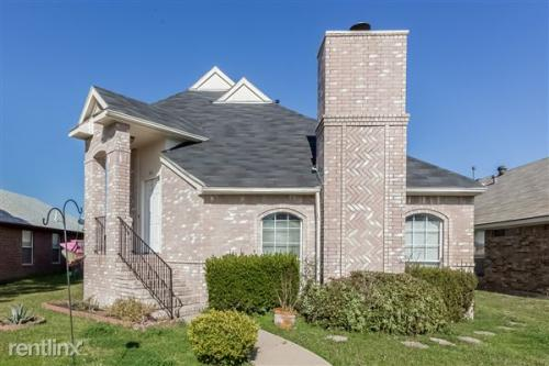 1818 Cool Springs Dr Photo 1