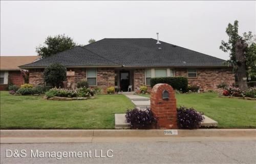 9916 Country Club Drive Photo 1
