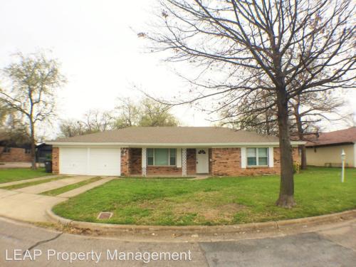 7805 Romney Road Photo 1