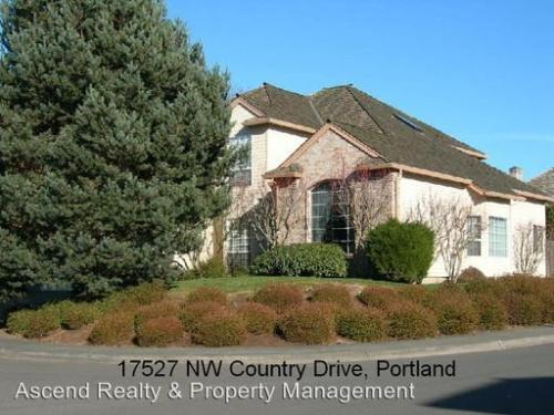 17527 NW Country Dr Photo 1