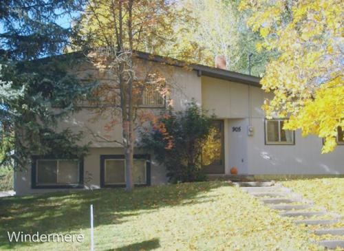 905 NW State Photo 1