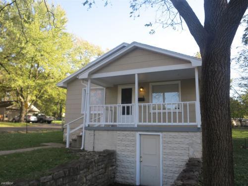 9071 E 66th Terrace Photo 1