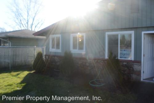 3111 NE Burton Road Photo 1