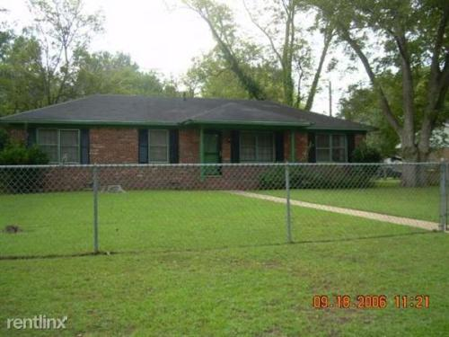 2100 Colquitt Ave Photo 1