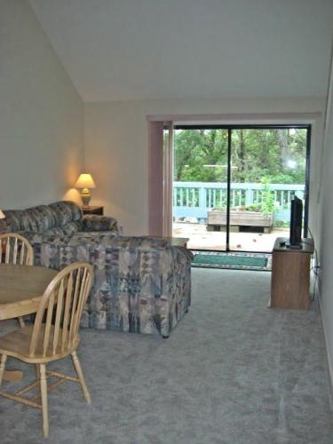1610a Harbourside Drive Photo 1