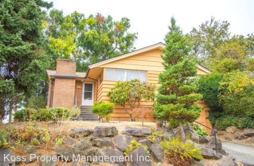 3227 13th Ave W Photo 1