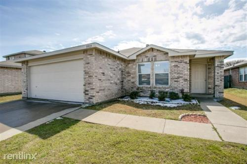 3913 Saddle Ridge Cir Photo 1