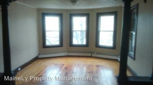 3 bed, $1,300 Photo 1