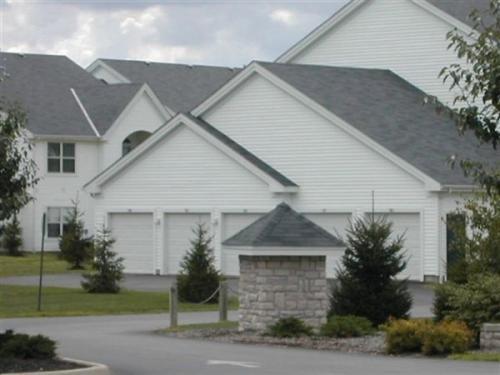 1040 Winward Drive Photo 1