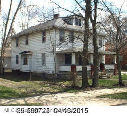 1706 N Park Ave Photo 1