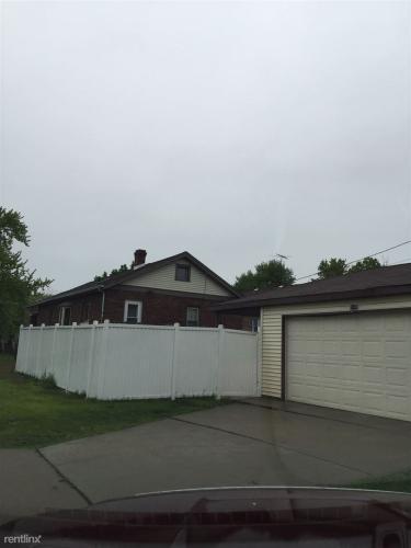7447 Van Buren Avenue Photo 1