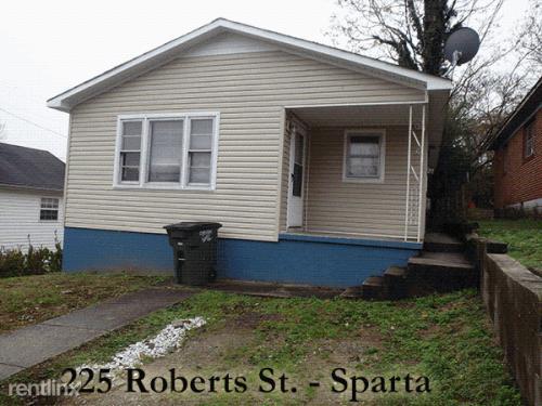 225 Roberts St Photo 1