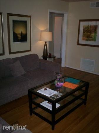 2 bed, 1.0 bath, $725 Photo 1