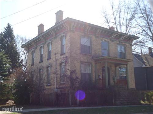 248 Lexington Ave NW N Photo 1
