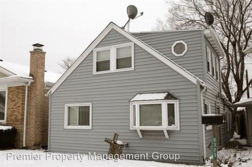 8323 W Forest Preserve Ave Photo 1