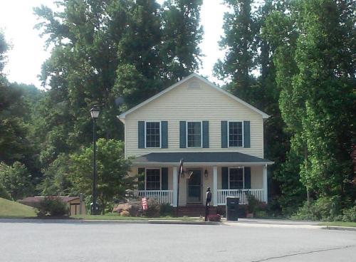 107 Lawton Lane Photo 1