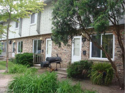 531 N Pine River Street Photo 1