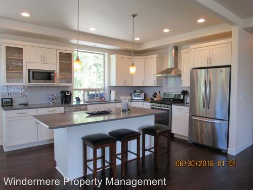 1164 Creekwood Lane Photo 1