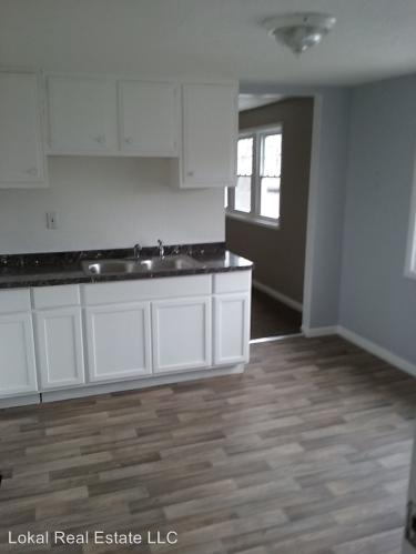 4527 W 30th St - Downstairs Photo 1