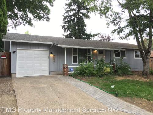 12226 SE Redwood Avenue Photo 1