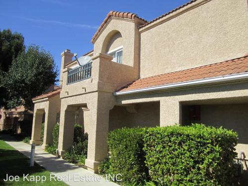 1250 Oyster Place Photo 1