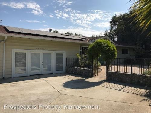 17295 Holiday Dr Photo 1