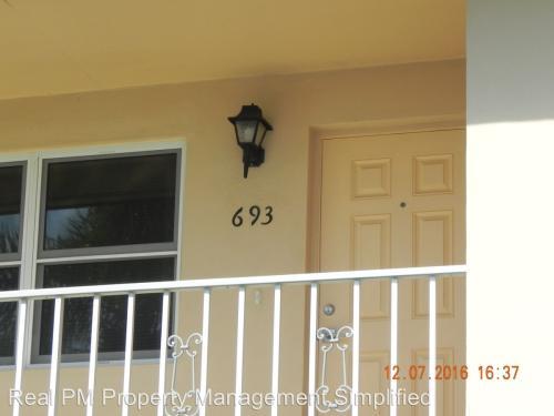 693 Palm View Drive #C4 Photo 1