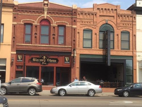 410 E Main Avenue Photo 1