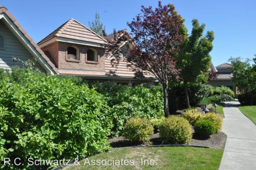639 N Riverpoint #H204 Photo 1