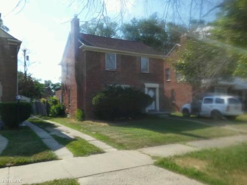 17351 Whitcomb Street Photo 1