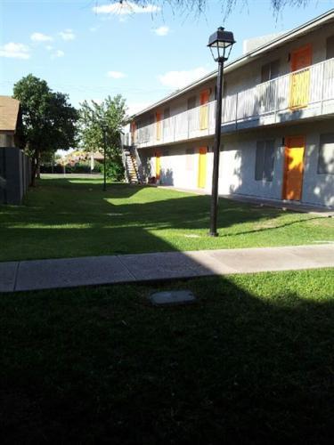 2945 W Colter Street Photo 1