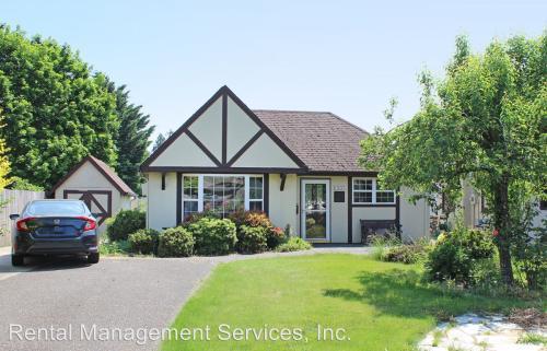 13455 NE Schuyler - Cottage Photo 1