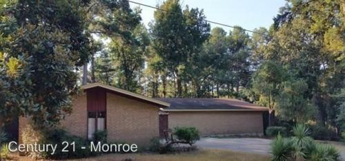 Monroe, LA 71203. Home For Rent. 802 Lakeside Drive Photo 1