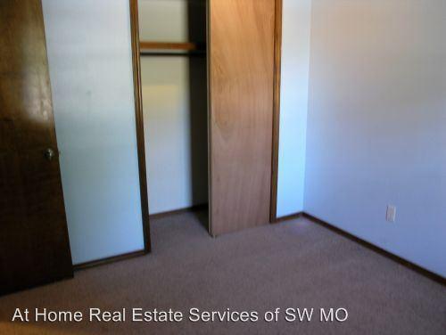 Model home mo-0012