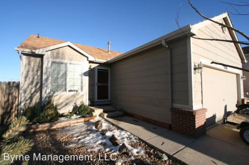 7556 Middle Bay Way Photo 1