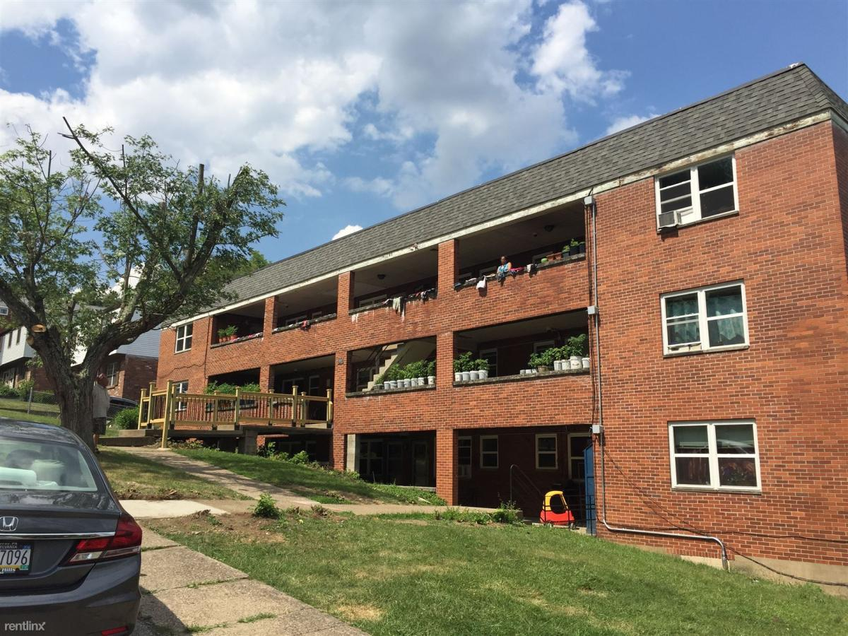 1400 Maple Drive at 1400 Maple Drive, Pittsburgh, PA 15227 | HotPads