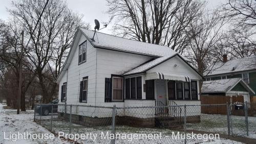 1140 Holt Street Photo 1